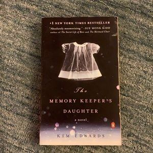BOOK — THE MEMORY KEEPERR'S DAUGHTER